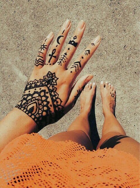 Modern Henna Tattoo: Modern And Artistic Henna Tattoos That You Will Want To